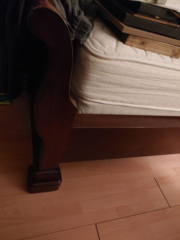 Sleigh bed, cherrywood