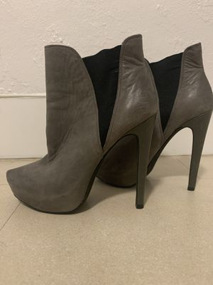 Size 7 Jessica Simpson Heel Boots for Sale in South Miami, FL