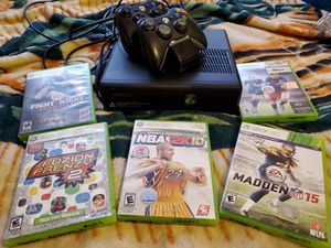 Xbox 360 with 5 games 2 controllers for Sale in El Paso, TX