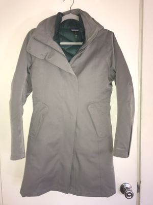 Patagonia tres 3 in 1 parka for Sale in San Diego, CA
