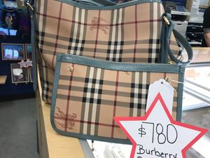 Burberry Canterbury with box and bag for Sale in Everett, WA