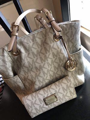 MK purse and wallet for Sale in Phoenix, AZ