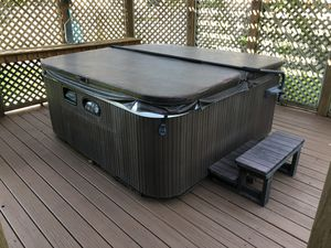Hotspring 4 person hot tub spa for Sale in Sugar Land, TX