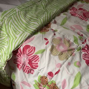 Reversible Full Size Comforter Set for Sale in Miami, FL