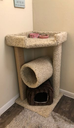 Cat Tower w/ Scratch Post for Sale in Austin, TX