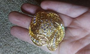 Signed Vintage gold toned & rhinestone pin brooch for Sale in Tullahoma, TN