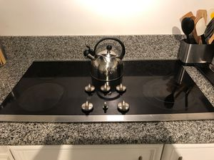 Counter top stove, ovens, and dishwasher for Sale in Wilmington, CA