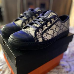 Gucci Shoes Authentic Size 8.5 for Sale in Los Angeles, CA