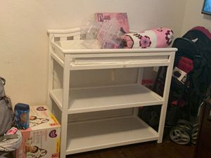 white changing table with diaper storage for Sale in Riviera Beach, FL