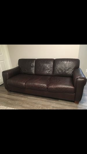 Leather couch!!! for Sale in Vancouver, WA