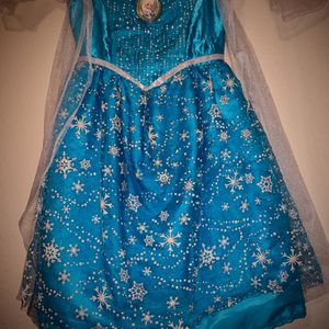 Elsa Frozen Gown Gorgeous For 4-6 Years Old for Sale in San Antonio, TX