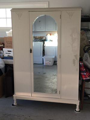 Antique armoire for Sale in San Jose, CA