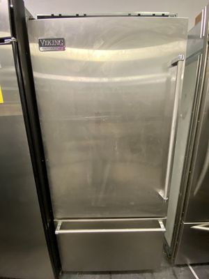 Viking Top Refrigerator Bottom Freezer Stainless Steel for Sale in Lakewood, CA