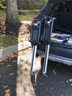 Cross bars with THULE Hull a Port Kayak Rack and Straps for Sale in Nashville, TN
