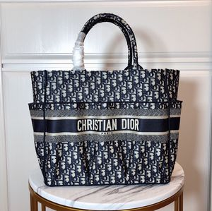 Dior tote bag for Sale in New York, NY