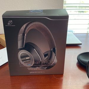 Plantronics Pro 2 Wireless Noise Cancelling Backbeat - Headphones Black & Tan for Sale in Round Rock, TX