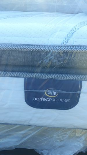 New Queen size SERTA perfect sleeper pillow top mattress for Sale in Compton, CA