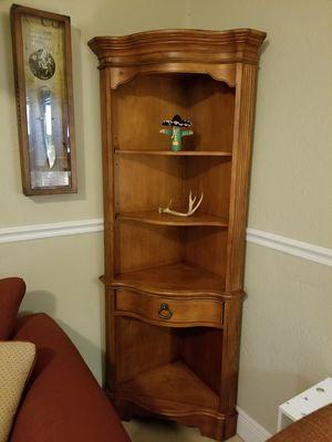Set of 2 corner shelves for Sale in Miami, FL