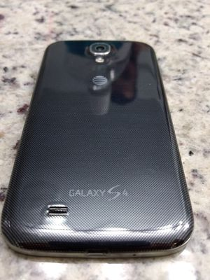 Samsung galaxy S4 excellent condition factory unlocked 8 gigabyte for Sale in Miami, FL