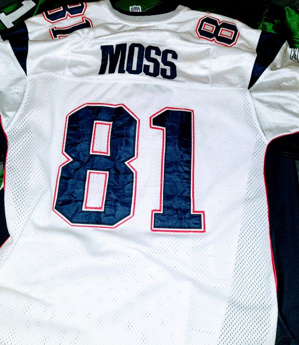 Randy Moss N. E. Patriots Jersey