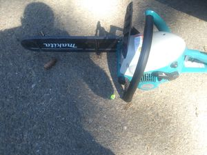 Makita Chainsaw for Sale in Portland, OR