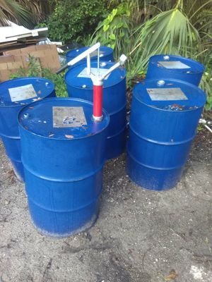 55 GALLON DRUMS 20.00 EACH for Sale in Tampa, FL