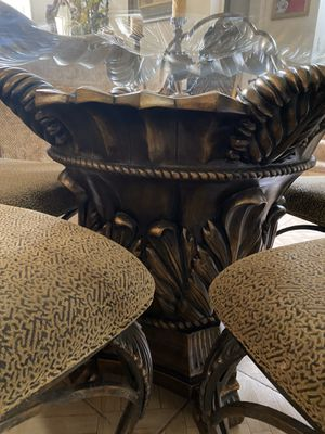 Dining table for Sale in Marysville, CA