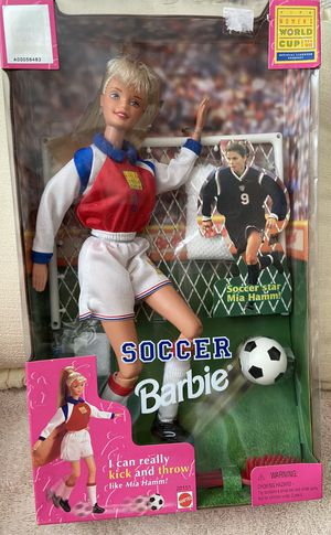 1998 Mattel Soccer Barbie Mia Hamm for Sale in Las Vegas, NV