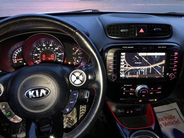 Kia Soul 2014 🔥 E plus loader miles 9500 such super cool Kia sport looking ,title rebuilt, has gps ,big screen , camera buck up , moonroof , sport ri