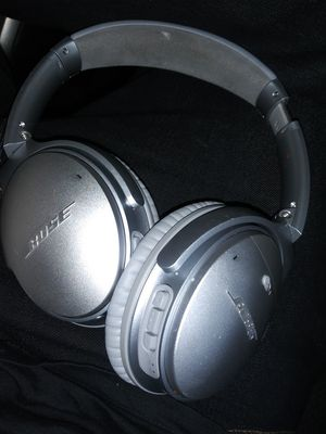 Bose headphones for Sale in Chula Vista, CA