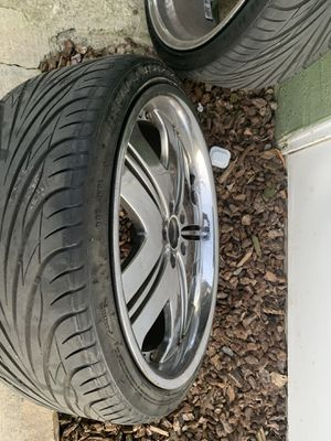 20s w 6 good tire for Sale in Merced, CA