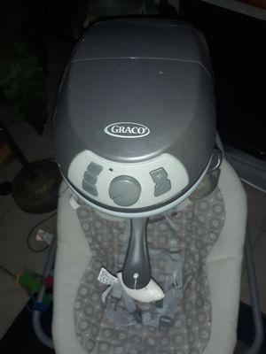 Nice Graco baby swing for Sale in Phoenix, AZ