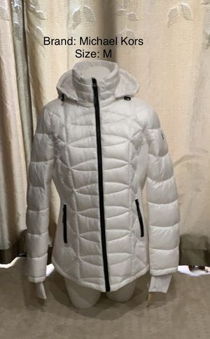Michael Kors Puffy Jacket NEW w/tags for Sale in Pasadena, CA
