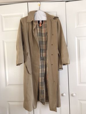 Vintage BURBERRY TRENCH Coat for Sale in Gaithersburg, MD