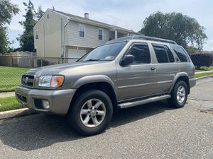 2004 Nissan Pathfinder looks and drives new for Sale in East Meadow, NY