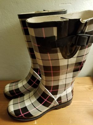 Merona Women's Rubber Boots Sz 6 cream, black, pink plaid for Sale in Pacheco, CA