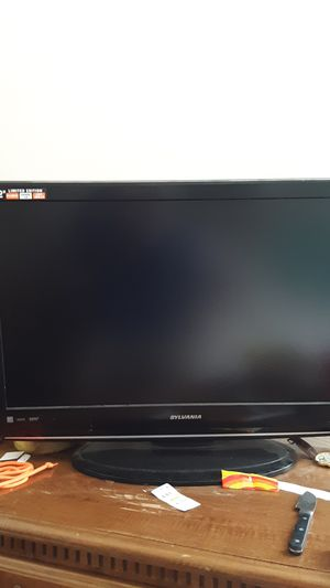 Sylvania 32 inch flatscreen TV works great (missing remote) for Sale in Trafford, PA