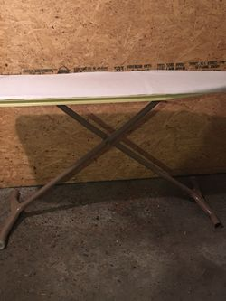 Ironing stand good condition and clean Obo for Sale in Yakima,  WA