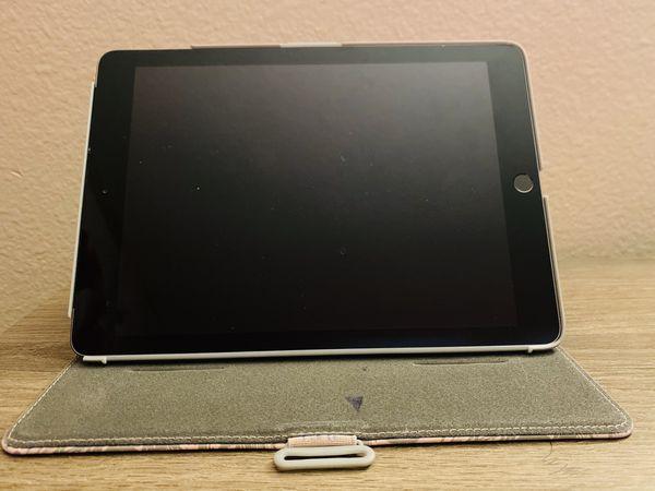 iPad 6th generation 32gb Gray