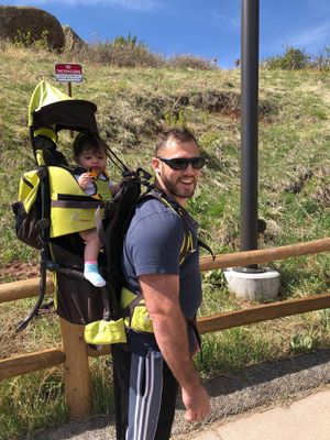 Hiking child carrier / backpack for Sale in Miami, FL