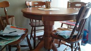Kitchen table W/chairs for Sale in Saint Charles, MO