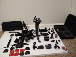 GoPro 5 black + Gimbal 3 axis + remote+ mounts for Sale in Auburn, WA