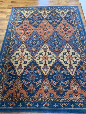 Brand new 100% wool safavieh rug !!! 5 x 7 for Sale in Vancouver, WA
