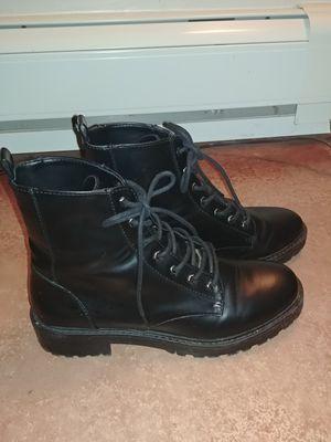 Black boots BERSHKA 8.5 for Sale in Denver, CO