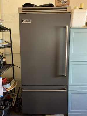 Viking Professional 5 Series Quiet Cool Refrigerator/Bottom Freezer for Sale in Westborough, MA
