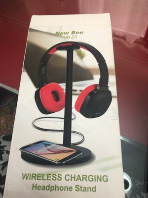 Wireless charging and Headphone stand new for Sale in Las Vegas, NV