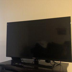 40 inch samsung tv for Sale in Ashburn, VA