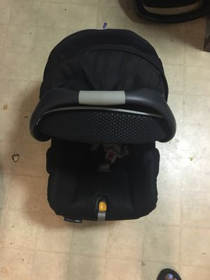Chicco keyfit 30 infant car seat with base for Sale in East Hartford, CT
