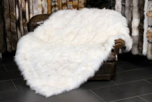 Faux Fur Snow White Luxury Throw Blanket 3'x5' for Sale in East Los Angeles, CA