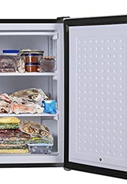 FRIGIDAIRE 3.0 CU. FT UPRIGHT FREEZER NEW!!!! for Sale in Reedley,  CA